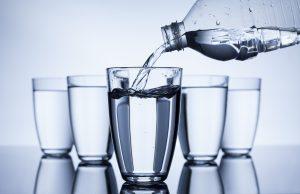 стаканы с водой